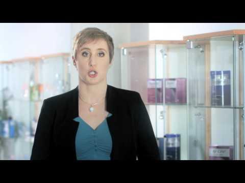 Minoxidil: Was hilft gegen Haarausfall? Dr. Kerstin Neumann von REGAINE®