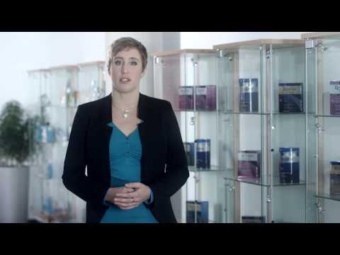 Welche Ursachen hat Haarausfall? Dr. Kerstin Neumann von REGAINE®